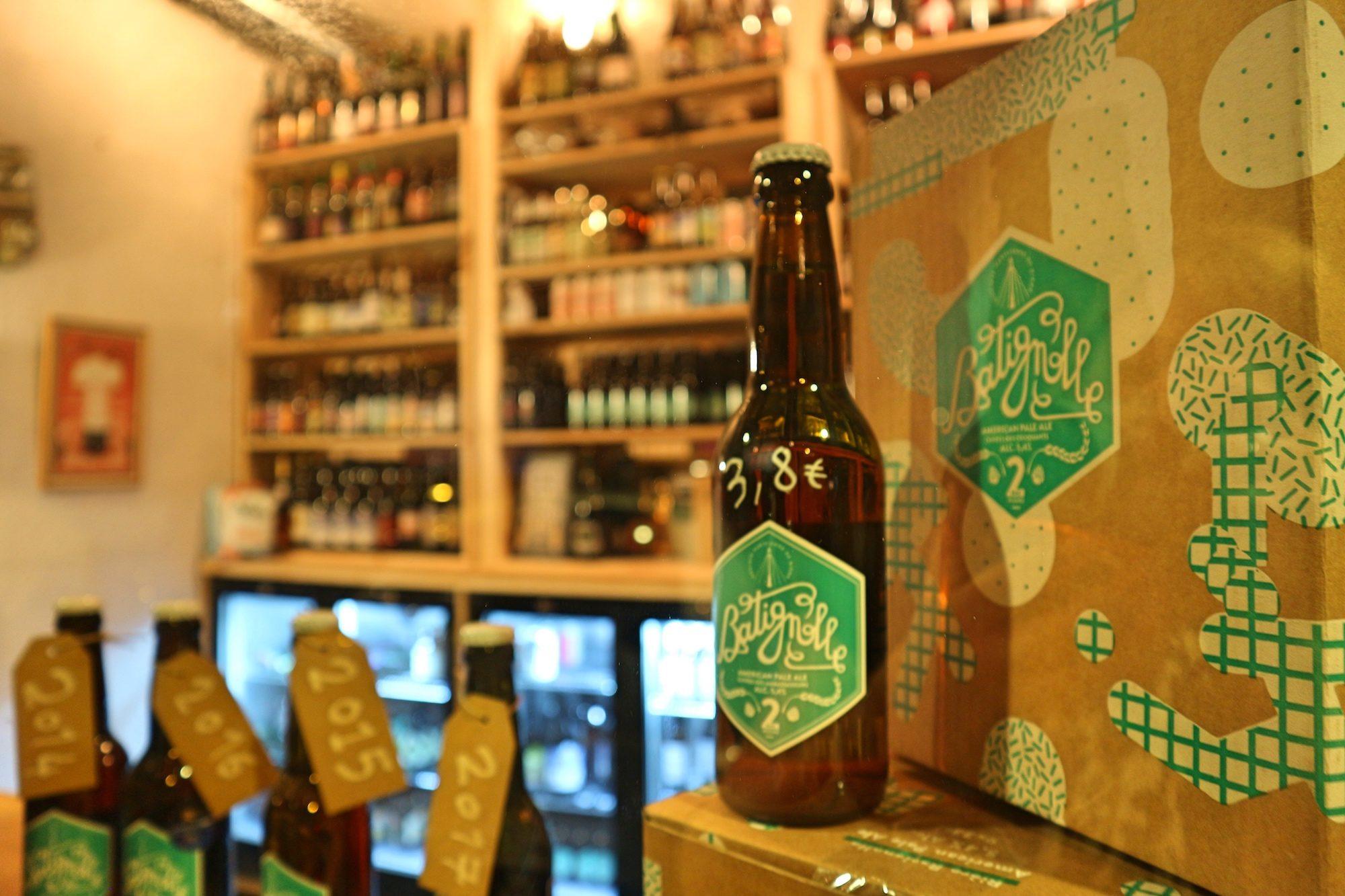 HiP Paris Blog's best places to drink beer in Paris include La Société Parisienne de Bière bar in the Batignolles neighborhood.