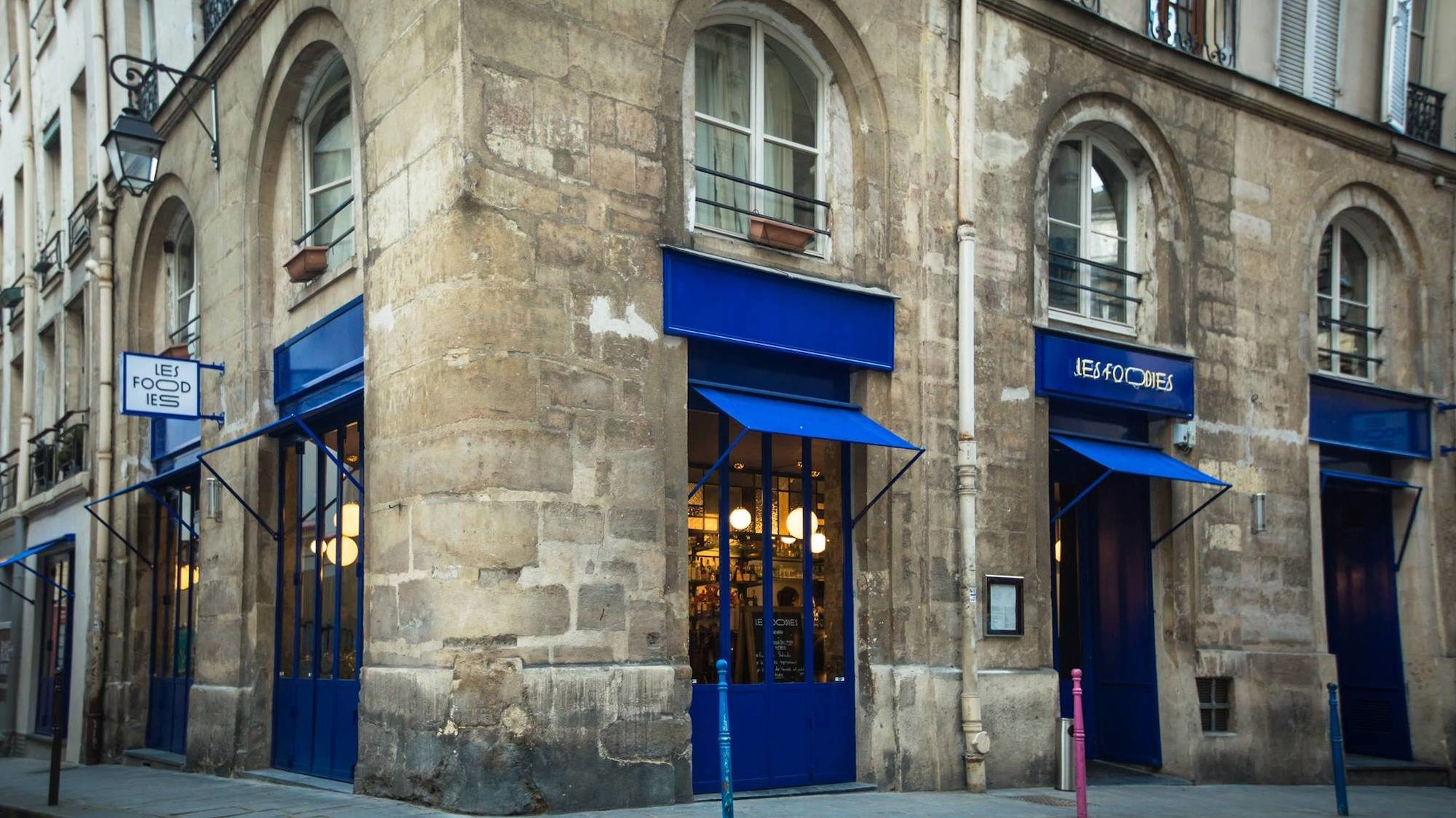 Les Foodies, which has just opened, is a contemporary restaurant in Paris.