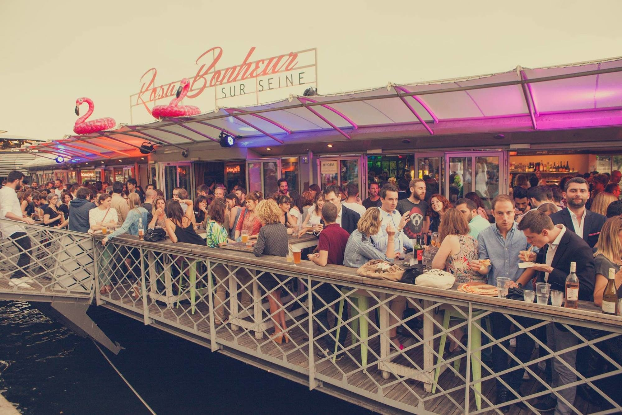 The Rosa Bonheur boat is a bar on the River Seine in Paris, which is usually heaving with locals who come for the cocktails and the atmosphere.