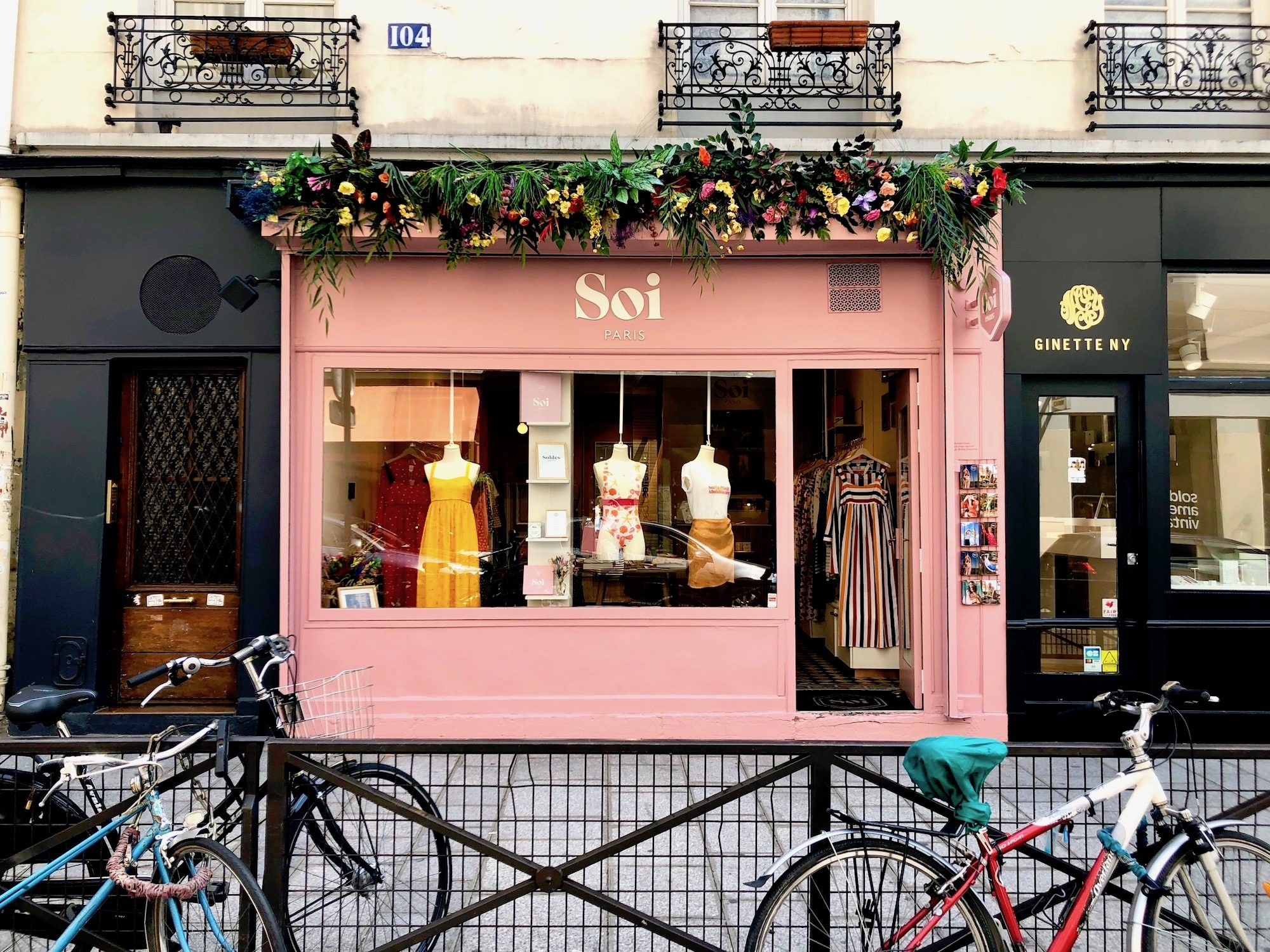 The pink store front of French fashion brand we love, Soi, in Paris.